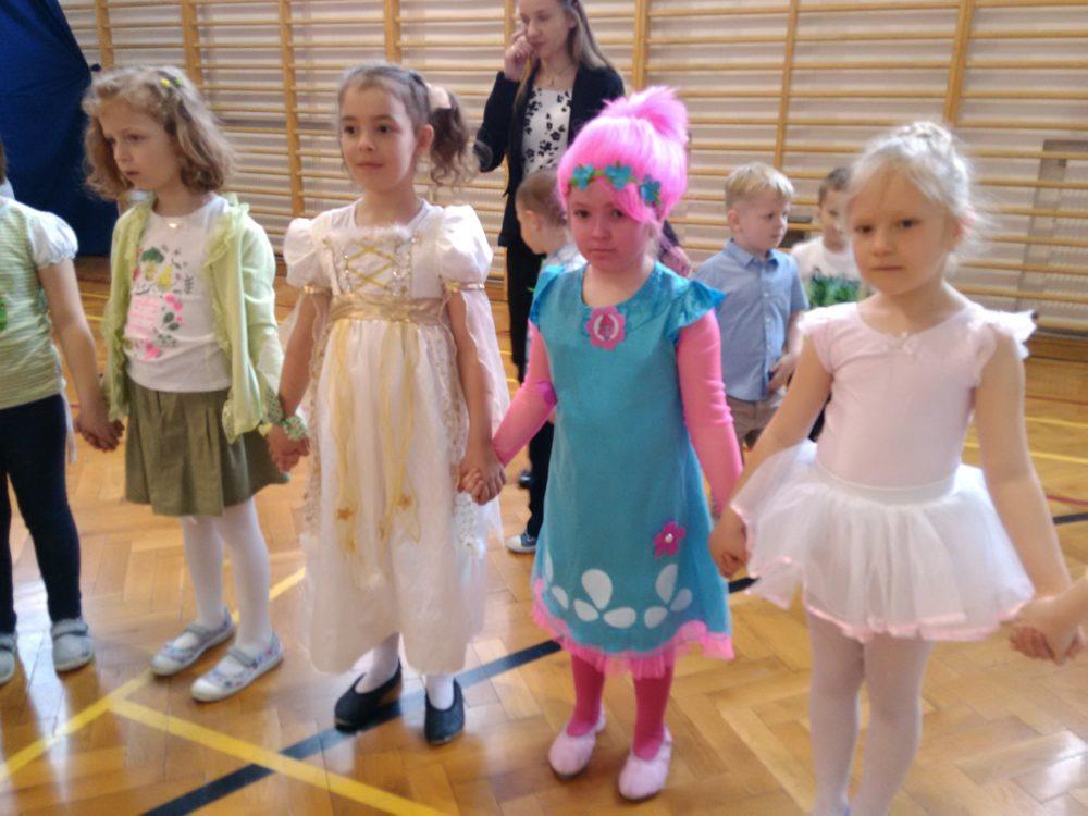 Wiosenny bal przedszkolaków z Palmonutką.