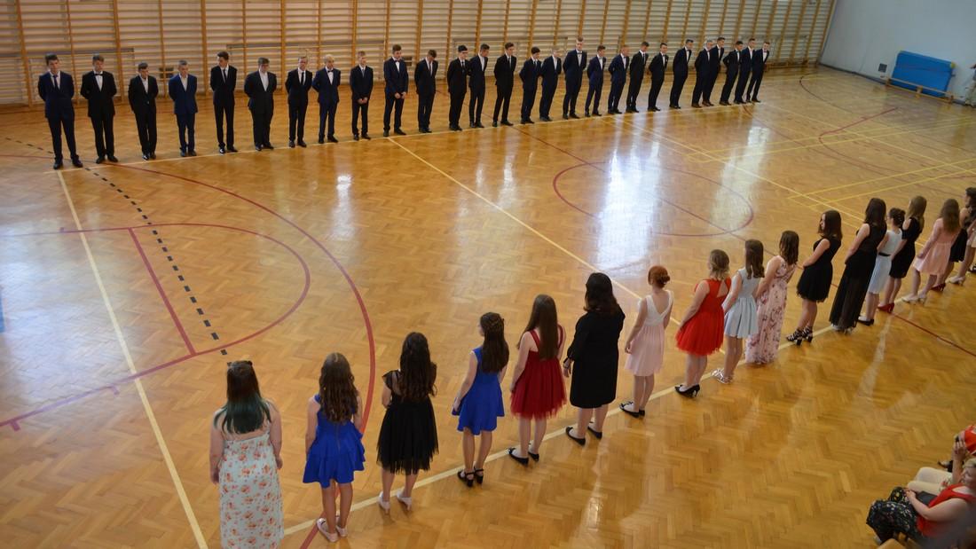 Polonez klas ósmych i trzecich gimnazjum